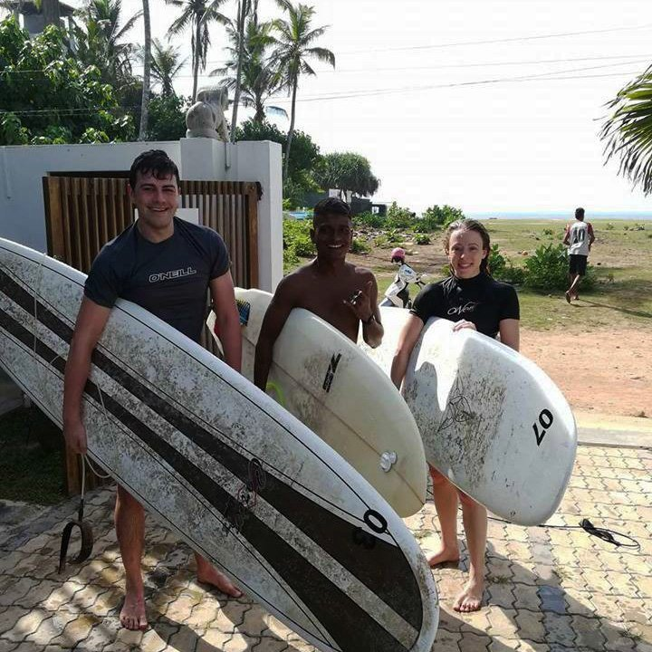 Beginners Surf Lessons with Lucky